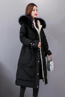 Z18DY152韩版时尚保暖羽绒服连帽大毛领松紧收腰修身泡泡袖外套