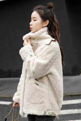 Z19QW996冬季新款翻领短款皮毛一体宽松休闲洋气时尚外套