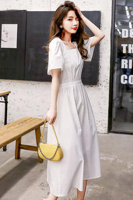 Z20XQ023夏新款气质短袖露背连衣裙韩版方领收腰显瘦气质连衣裙女