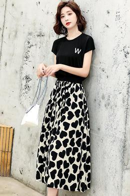 Z20XL073夏新字母T半身裙松紧腰爱心宽松蓬蓬裙宽松垂感套装